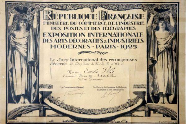 diploma-medalla-or-exposicio-internacional-arts-decoratives-paris-19256562855B-17AC-6AA3-9DDC-02401C3D4CF5.jpg
